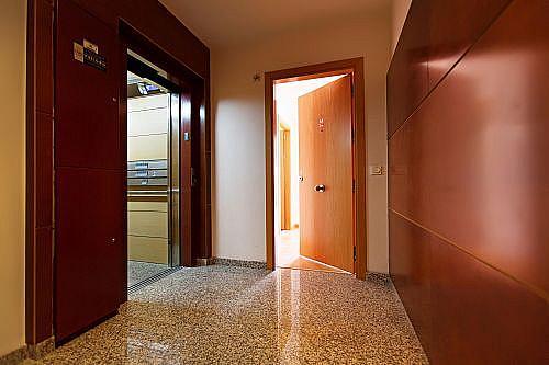 Piso en alquiler en calle Medico Francisco Pérez Company, Almería - 303085247