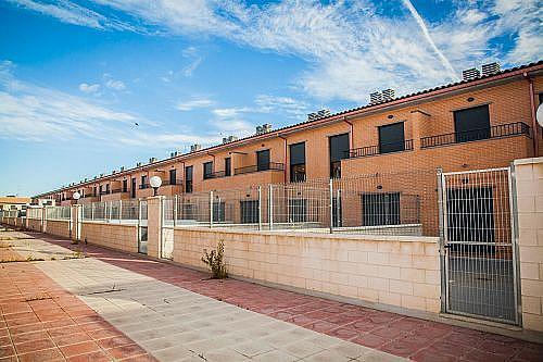 - Casa adosada en alquiler en calle Sierra del Moncayo, Zuera - 279400858
