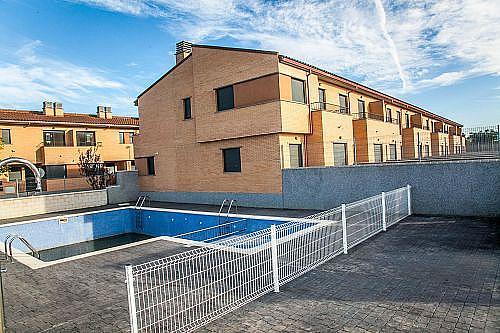 - Casa adosada en alquiler en calle Sierra del Moncayo, Zuera - 279400864