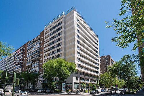 Garaje en alquiler en calle De la Castellana, Chamartín en Madrid - 311194065