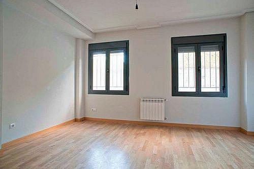 - Piso en alquiler en calle Blasón, Carabanchel en Madrid - 260572274