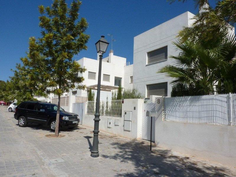 Chalet en alquiler en calle Hort de la Escala, Rocafort - 122399237