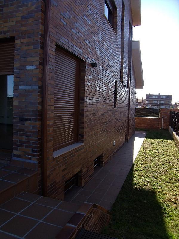 Casa adosada en alquiler en Villanueva de la Cañada - 317171744