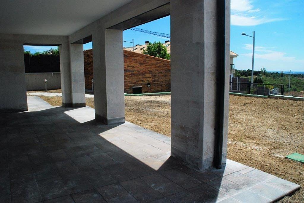 Casa en alquiler en Torrelodones - 317583236