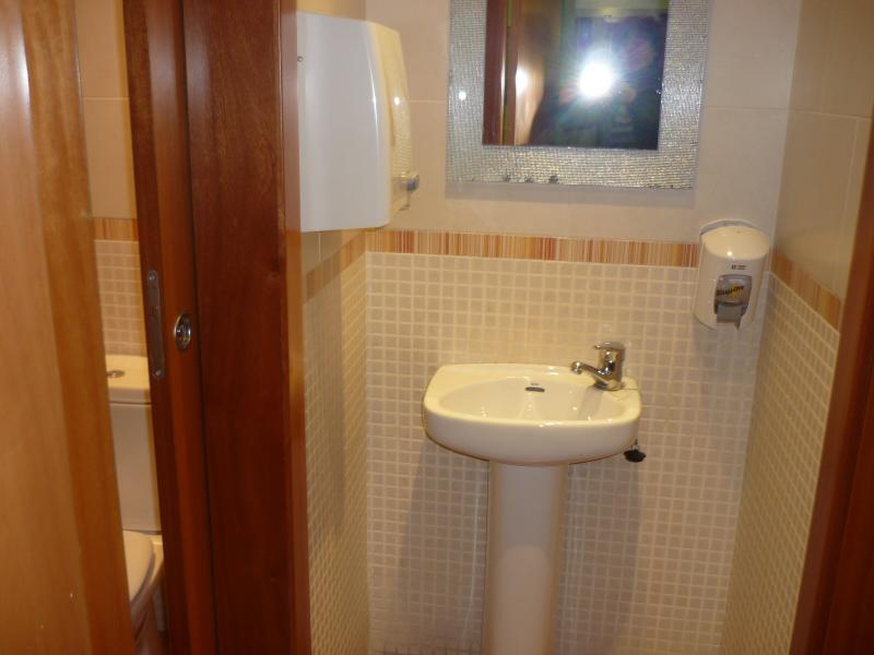 Baño - Local en alquiler en calle Unio, Centre en Vilanova i La Geltrú - 89965680