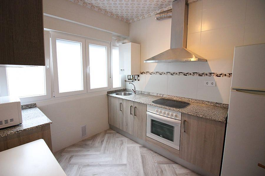Piso en alquiler en Barrio la Inmobiliaria en Torrelavega - 327196878