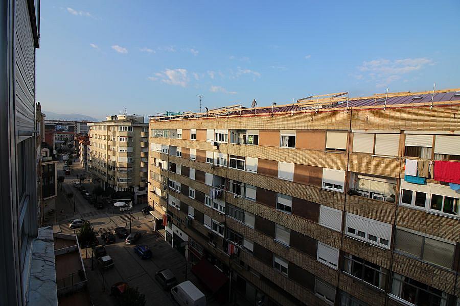 Piso en alquiler en Barrio la Inmobiliaria en Torrelavega - 327196887