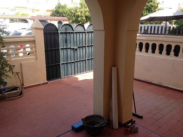 Patio delantero - Casa adosada en alquiler en Mairena del Aljarafe - 317171104