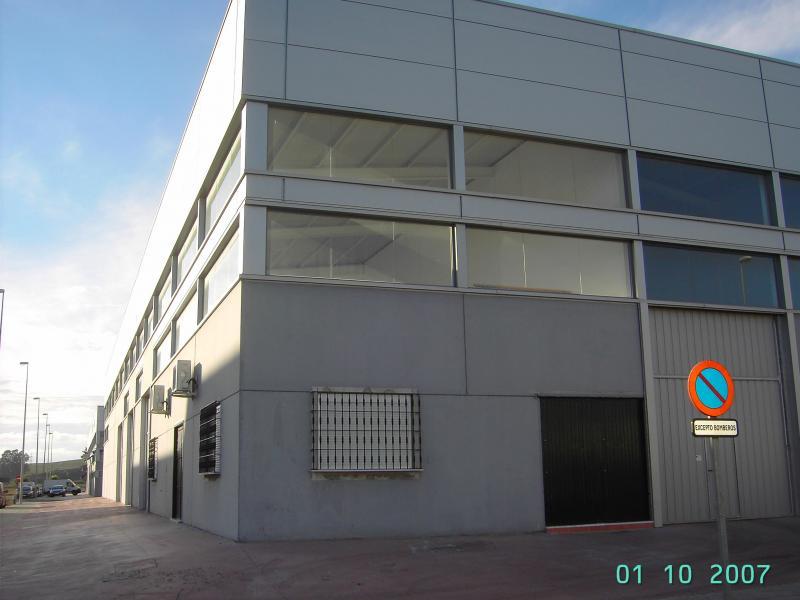 Nave industrial en alquiler en Gelves - 55367654