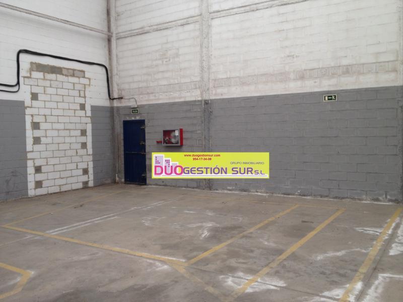 Nave industrial en alquiler en Polígono Industrial Calonge en Sevilla - 61126319