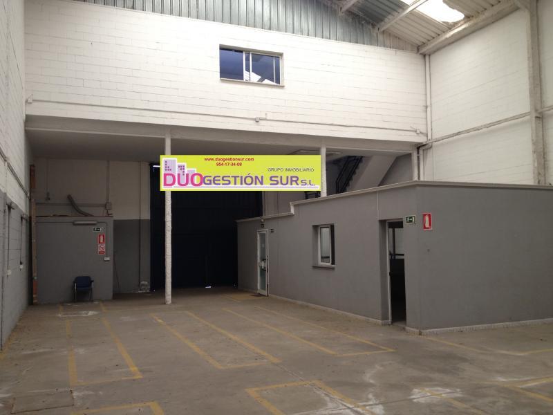 Nave industrial en alquiler en Polígono Industrial Calonge en Sevilla - 61126335