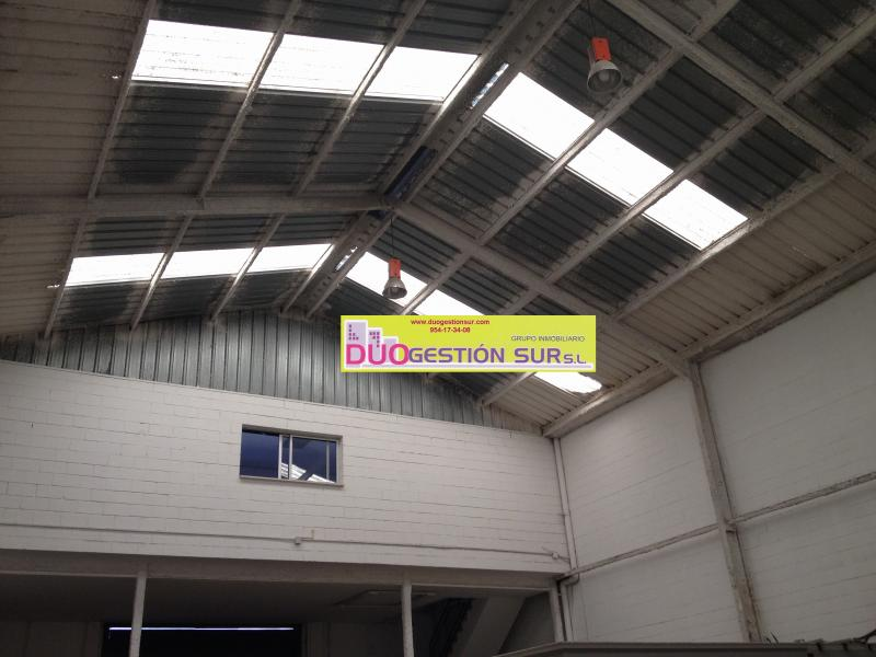 Nave industrial en alquiler en Polígono Industrial Calonge en Sevilla - 61126354