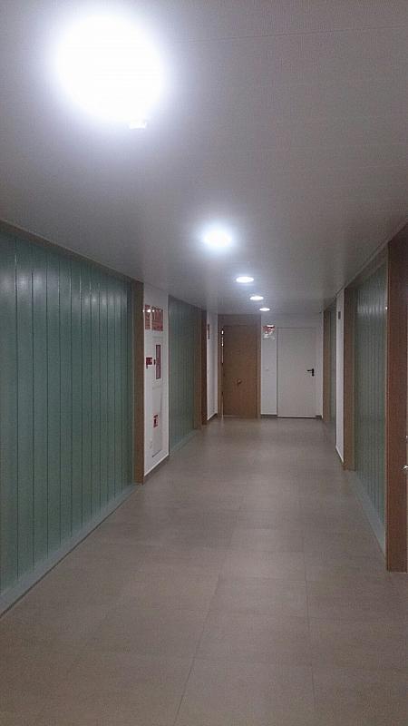 Oficina en alquiler en calle Los Remedios, Los Remedios en Sevilla - 327561727