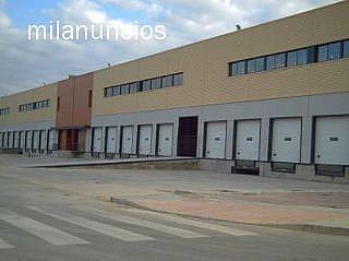 Nave en alquiler en calle Los Remedios, Los Remedios en Sevilla - 190701388