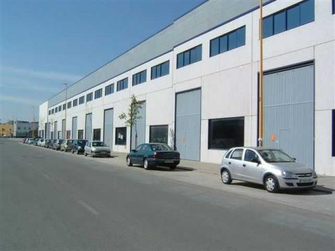 Nave industrial en alquiler en Sevilla - 23431305