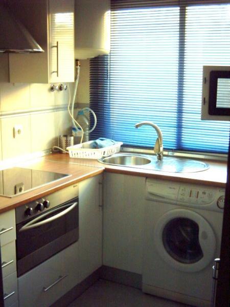 Apartamento en alquiler en calle Monserrat, El Molinillo-Capuchinos (Alameda de Barcelo) en Málaga - 51123758