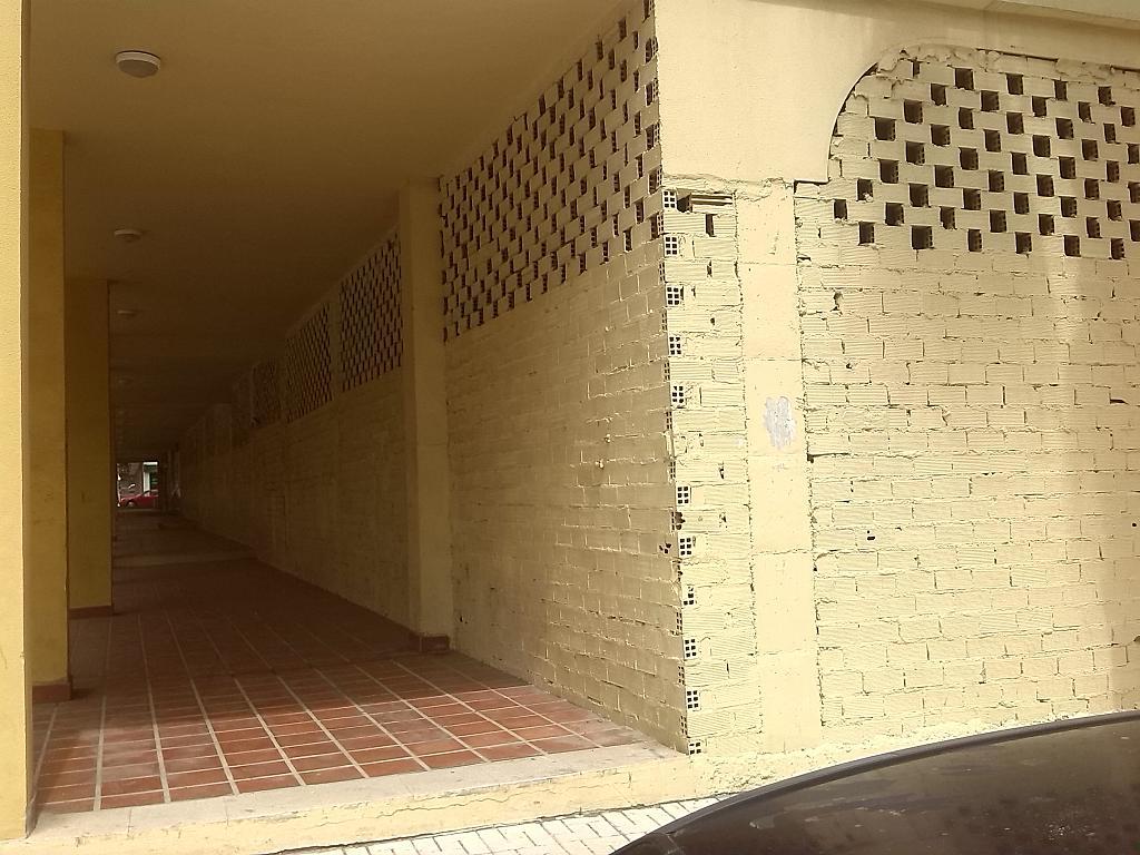 Local comercial en alquiler en calle Robinson Crusoe, Teatinos-Universidad en Málaga - 186131166