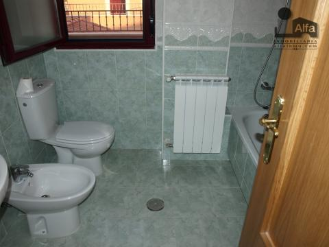Baño - Casa pareada en alquiler opción compra en calle Aurora, Moraleja del Vino - 46931831