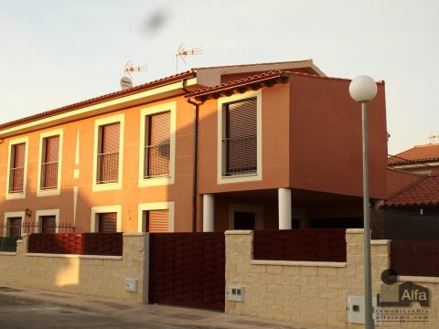 Fachada - Casa pareada en alquiler opción compra en calle Aurora, Moraleja del Vino - 46931867