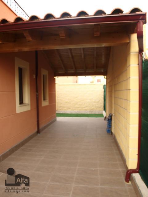 Porche - Casa pareada en alquiler opción compra en calle Aurora, Moraleja del Vino - 46931878
