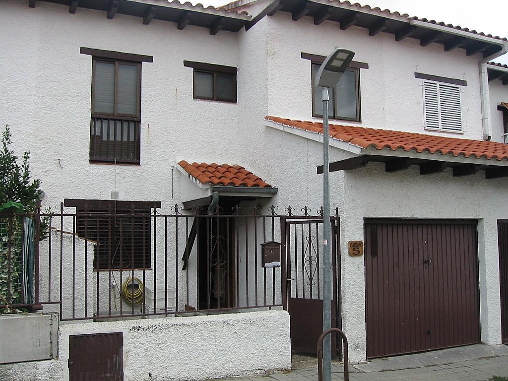 Fachada - Casa adosada en alquiler en calle Castaño, Soto del Real - 321208026