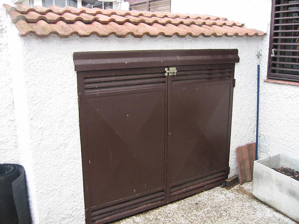 Patio delantero - Casa adosada en alquiler en calle Castaño, Soto del Real - 321208115