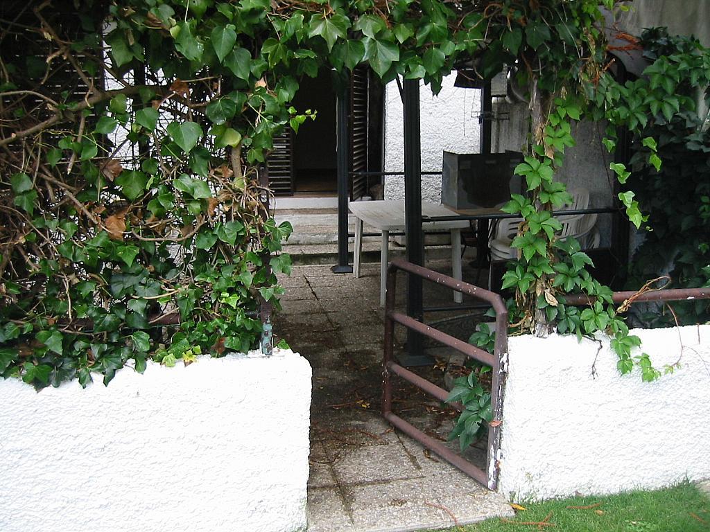 Patio trasero - Casa adosada en alquiler en calle Castaño, Soto del Real - 321208126