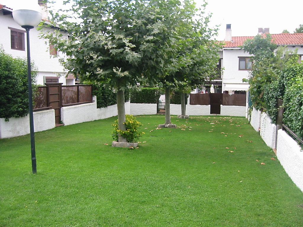 Jardín - Casa adosada en alquiler en calle Castaño, Soto del Real - 321208128