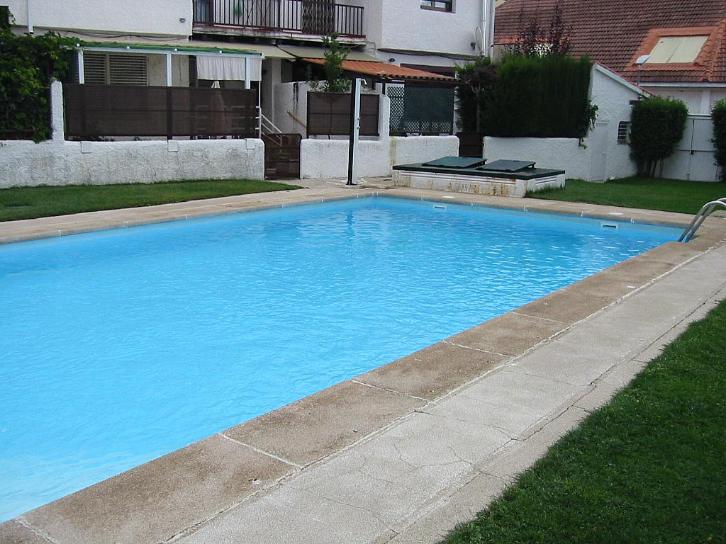 Piscina - Casa adosada en alquiler en calle Castaño, Soto del Real - 321208132