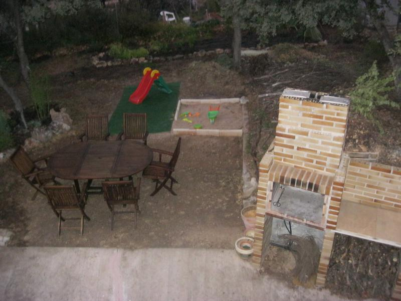 Jardín - Casa rural en alquiler de temporada en calle Aquiles, Sacedón - 84869253