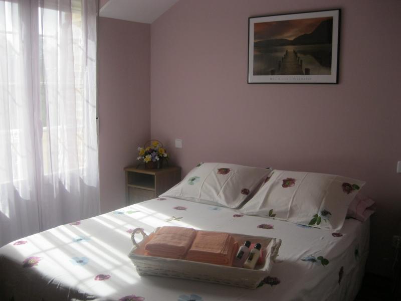 Dormitorio - Casa rural en alquiler de temporada en calle Aquiles, Sacedón - 84869258