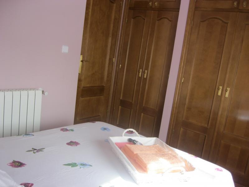 Dormitorio - Casa rural en alquiler de temporada en calle Aquiles, Sacedón - 84869297