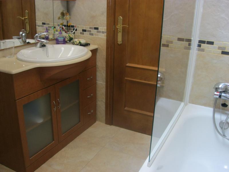 Baño - Casa rural en alquiler de temporada en calle Aquiles, Sacedón - 84869302