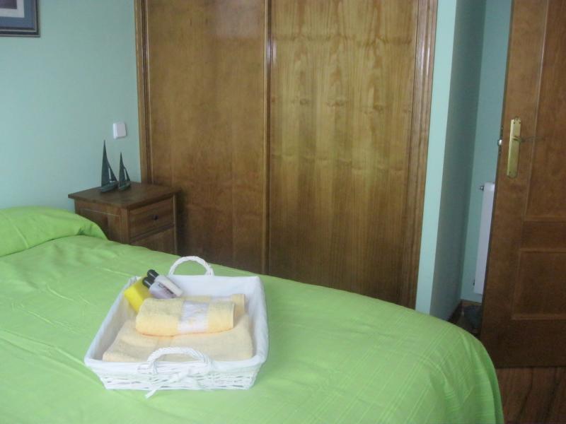 Dormitorio - Casa rural en alquiler de temporada en calle Aquiles, Sacedón - 84869334