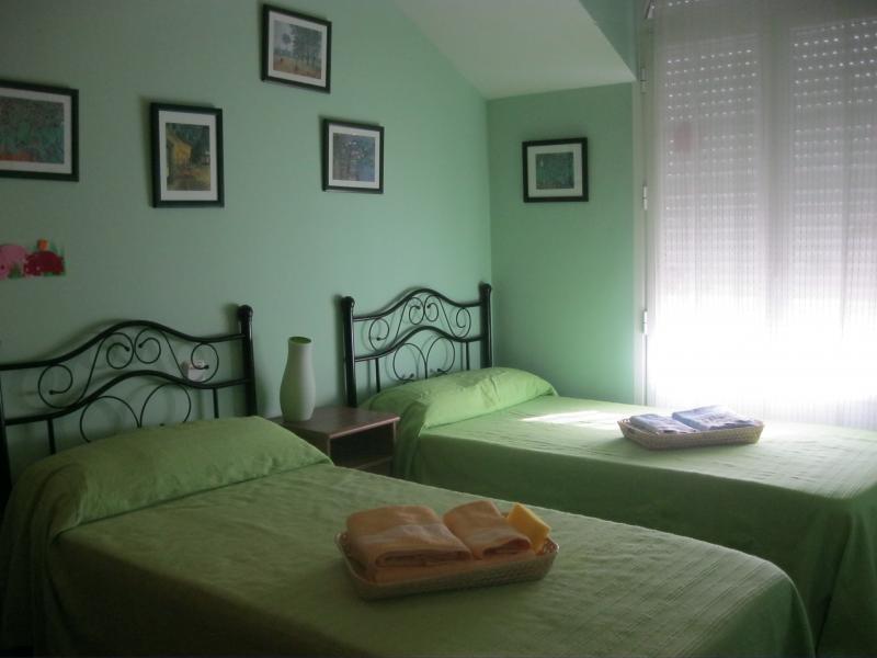 Dormitorio - Casa rural en alquiler de temporada en calle Aquiles, Sacedón - 84869337