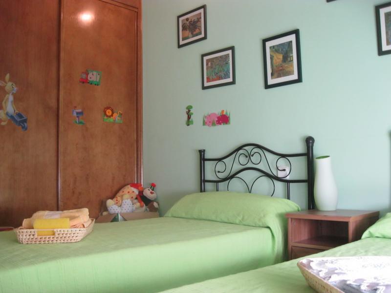 Dormitorio - Casa rural en alquiler de temporada en calle Aquiles, Sacedón - 84869338