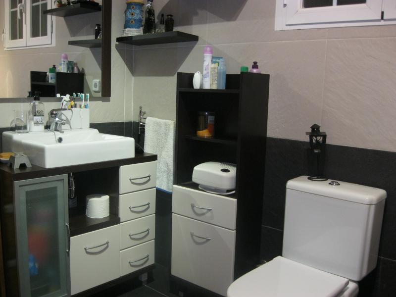 Baño - Casa rural en alquiler de temporada en calle Aquiles, Sacedón - 84869353