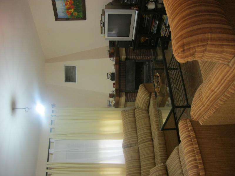 Salón - Casa rural en alquiler de temporada en calle Aquiles, Sacedón - 84869395