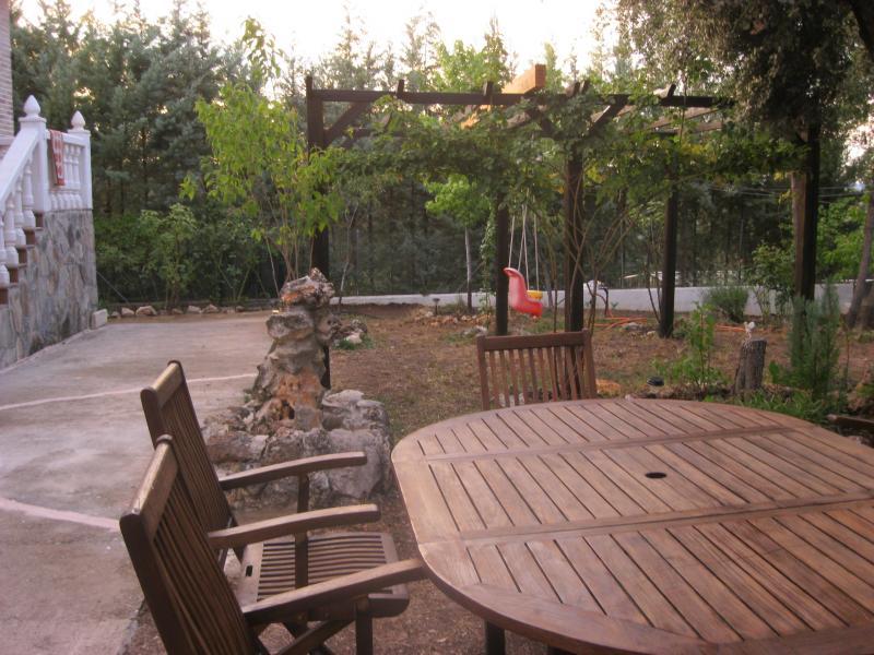 Jardín - Casa rural en alquiler de temporada en calle Aquiles, Sacedón - 84869428