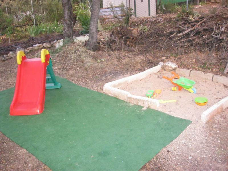 Jardín - Casa rural en alquiler de temporada en calle Aquiles, Sacedón - 84869444