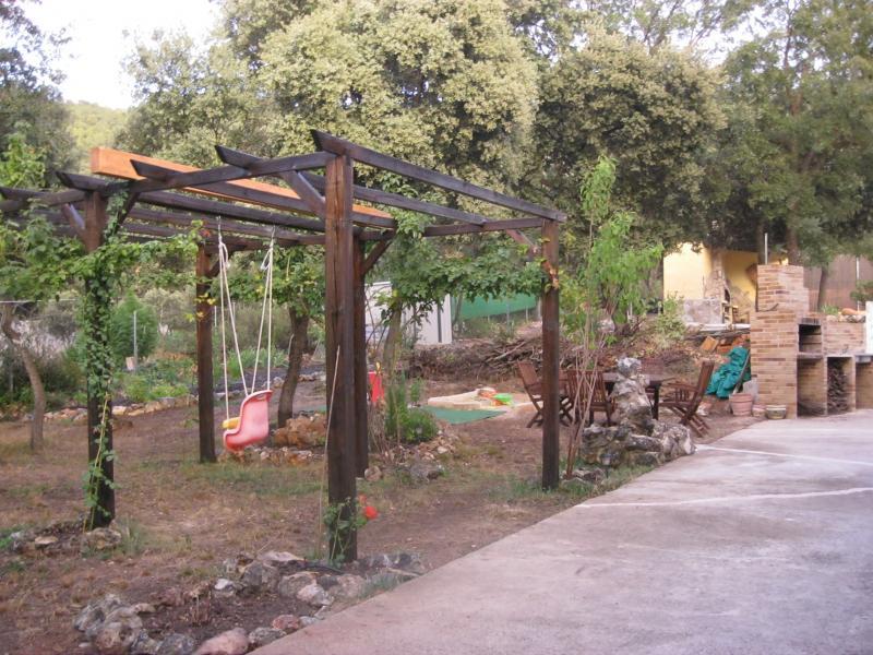 Jardín - Casa rural en alquiler de temporada en calle Aquiles, Sacedón - 84869467