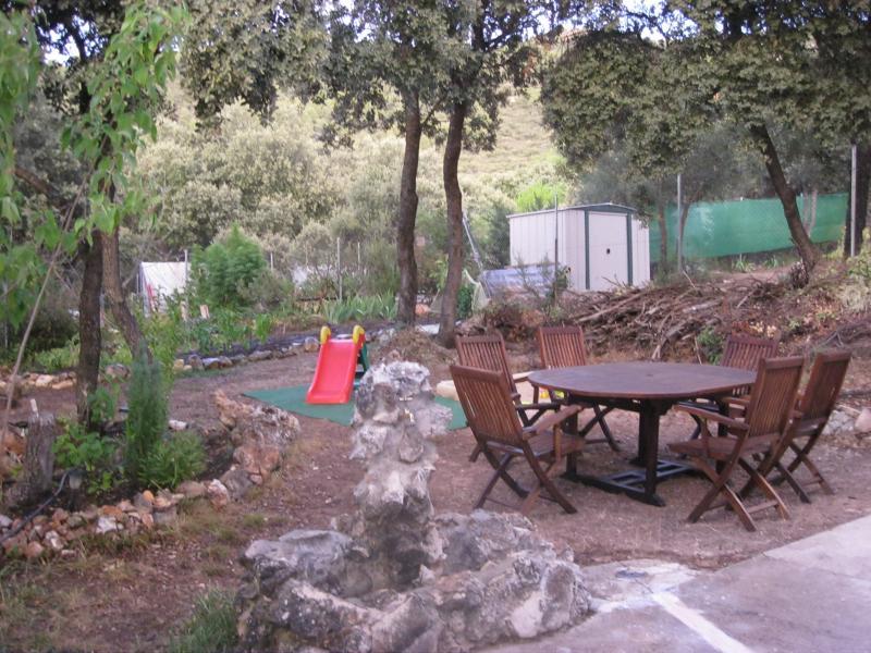 Jardín - Casa rural en alquiler de temporada en calle Aquiles, Sacedón - 84869484