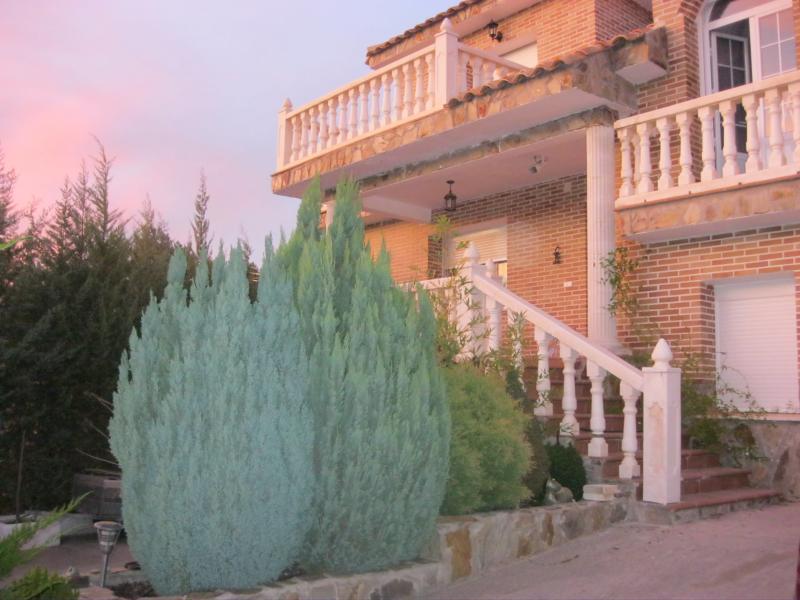 Fachada - Casa rural en alquiler de temporada en calle Aquiles, Sacedón - 84869525