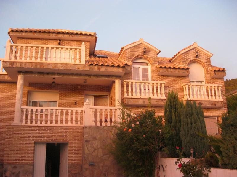 Fachada - Casa rural en alquiler de temporada en calle Aquiles, Sacedón - 84869530