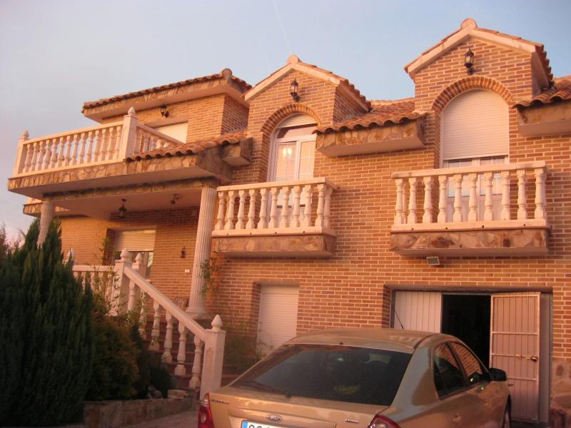 Fachada - Casa rural en alquiler de temporada en calle Aquiles, Sacedón - 84869544