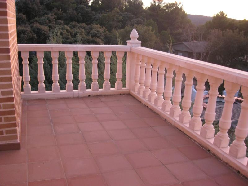 Terraza - Casa rural en alquiler de temporada en calle Aquiles, Sacedón - 84869551