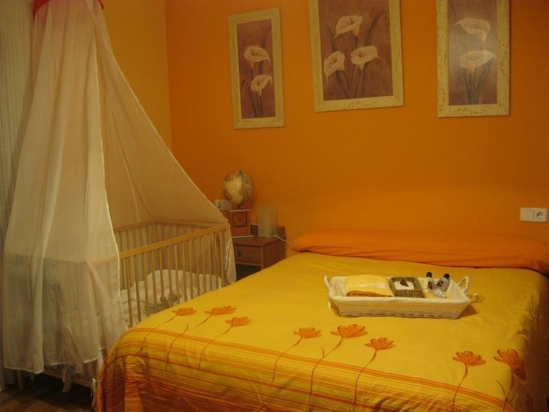 Dormitorio - Casa rural en alquiler de temporada en calle Aquiles, Sacedón - 84870293