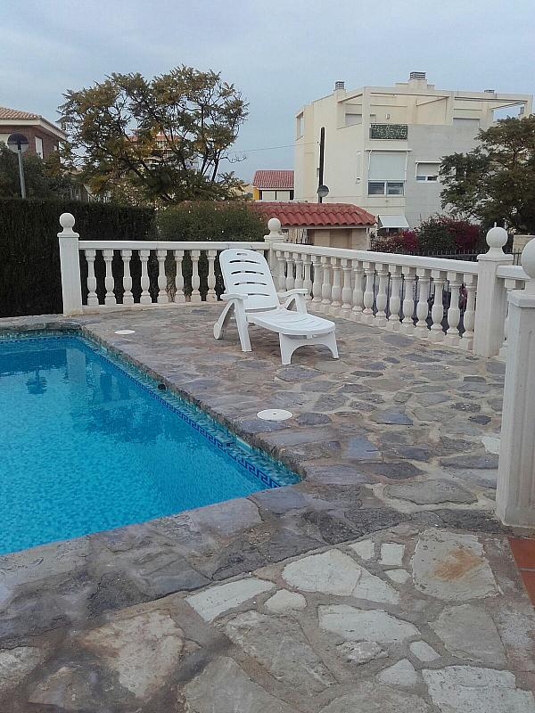 Piscina - Bungalow en alquiler en calle Sargo, Playa de San Juan - 300539851