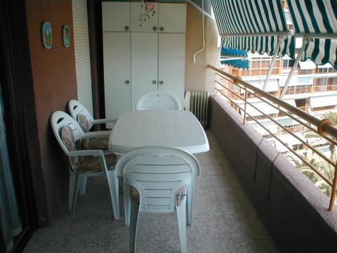 Apartamento en alquiler de temporada en calle Niza, Playa de San Juan - 22375834