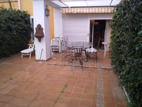 Bungalow en alquiler de temporada en calle Pintor Perez Gil, Playa de San Juan - 23004135